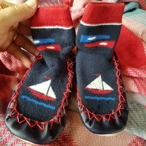Size 7/8 (2-3y) Slippers by Konfetti